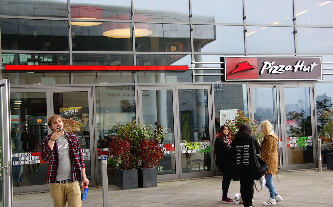 pizza-hut-bremen-waterfront-2